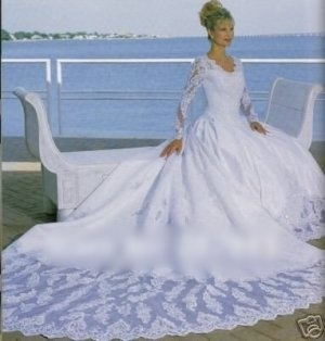 White with Long sleeve Embroidery wedding dresse
