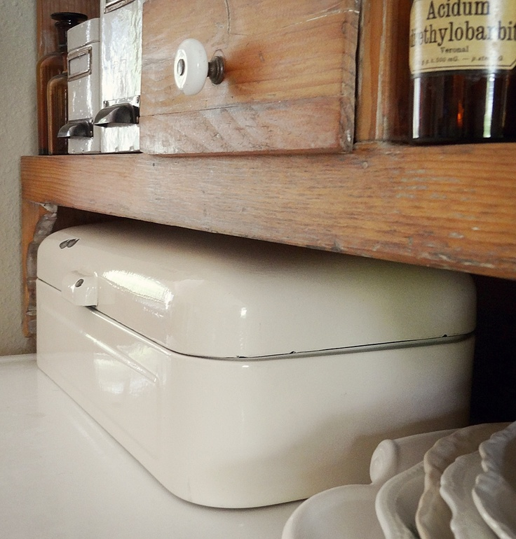 Dutch enamelware bread box –by AtticAntics on Second Shout Out