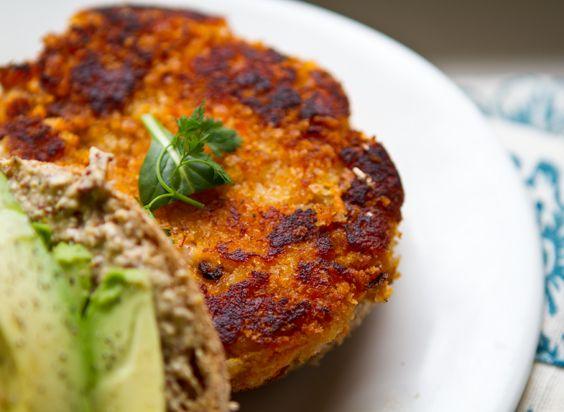 vegan-sweet-potato-veggie-burger | Healthy&Happy | Pinterest