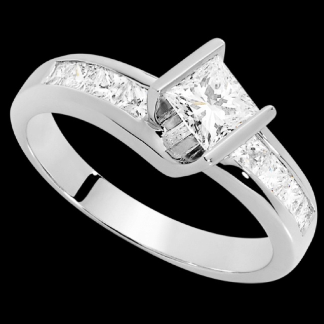 Came across a pin of my amazing engagement ring! Still so inlove with ...