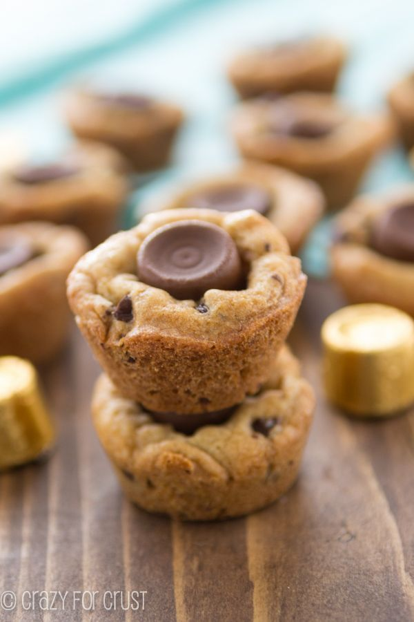 Recipes] Mini Rolo Chocolate Chip Cookie Cups