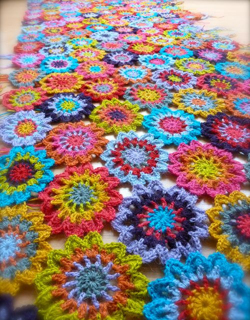 Free Crochet Afghan Patterns With Flowers : Crocheted Flower Afghan. So pretty! Crochet Flower ...
