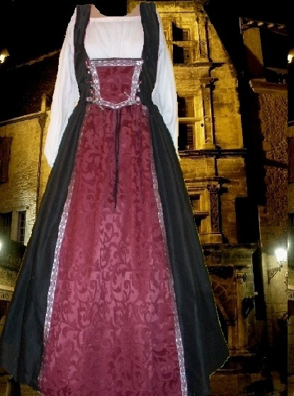 Renaissance Medieval Costume SCA Garb Wine Damask Tudor Style 2 pc Skirt Ensemble with Dual Lacing Bodice