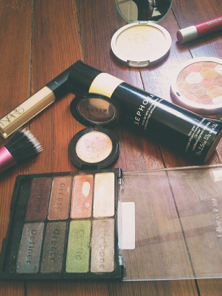 #makeup #dailymakeup #stila #realtechniques #sephora #foundation #milani #thebalm #wetandwild #beauty #blogging