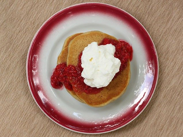 Whole Wheat Pancakes with Raspberry Sauce | Recipe