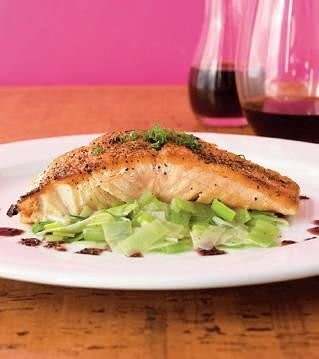 15 Healthy, Delicious Leek Recipes: Salmon wih Leeks and Red Wine Mojo ...