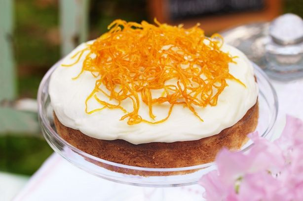 Orange sour cream cake - decorate with candied orange slices