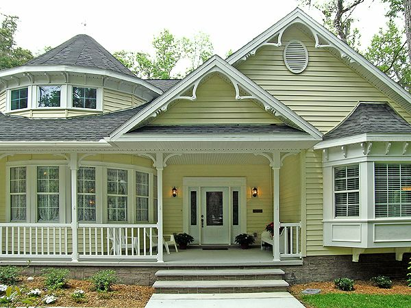 a yellow house, yes please.