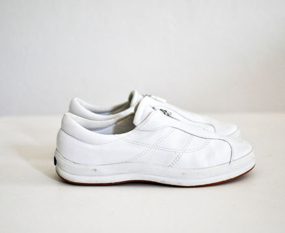 90s size 7 white keds leather zipper shoes