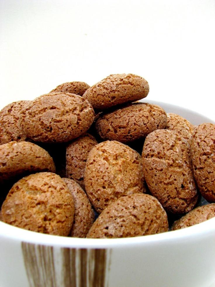 Amaretti Cookies Recipe — Dishmaps
