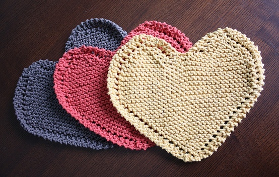 Heart Shaped Knitting Pattern : Heart-shaped dishcloths pattern. Knitting and Crochet Ideas Pinte?