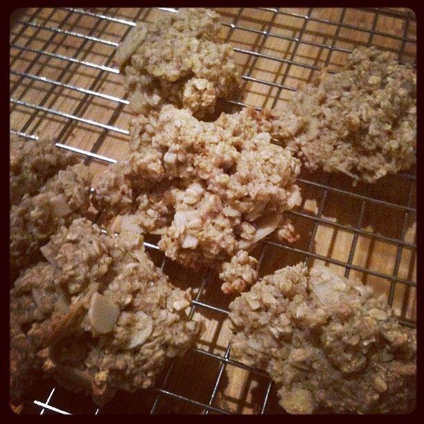 Maple cinnamon almond oatmeal drops #cookies #delicious