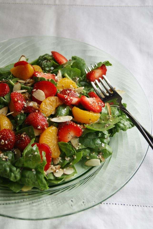 Strawberry spinach salad | Recipes - Main course | Pinterest