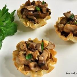 Brie and Caramelized mushroom mini tarts | Yummies | Pinterest
