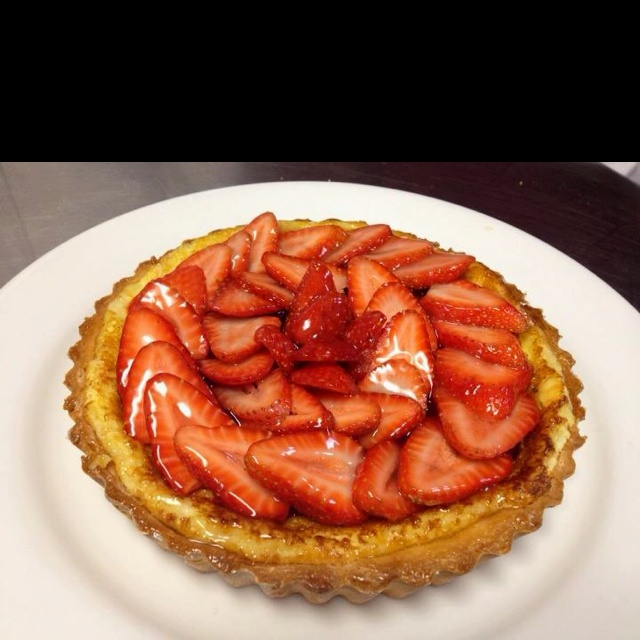 Strawberry cream cheese tart! | Food | Pinterest
