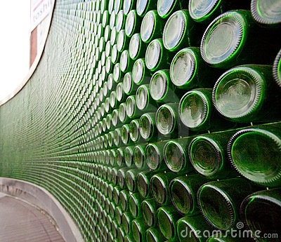 Curved wine bottle wall