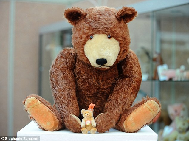the biggest teddy bear for valentine's day