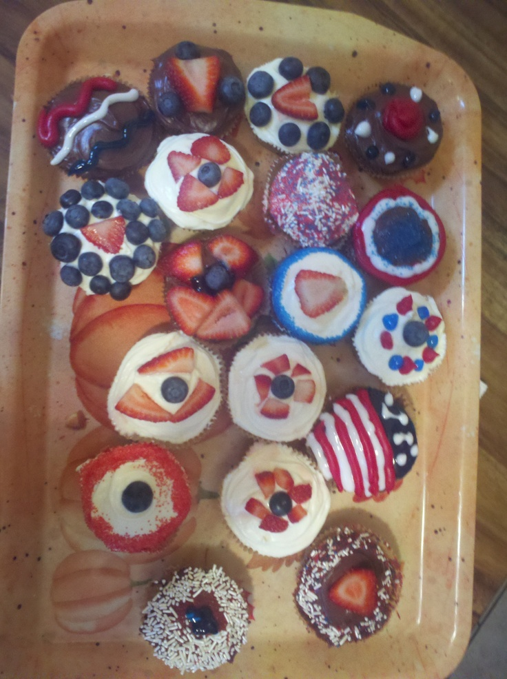 4th of july cupcakes with fruit