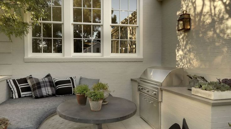 Gwyneth Paltrow Buying Windsor Smith House in Brentwood - Celebrity Real Estate - Curbed LA  BBQ- built in banquet