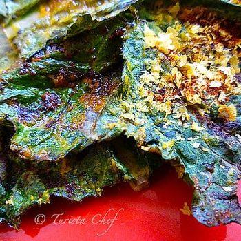"Cheesy"" Baked Kale Crisps ~ Vegan | Vegan | Pinterest"