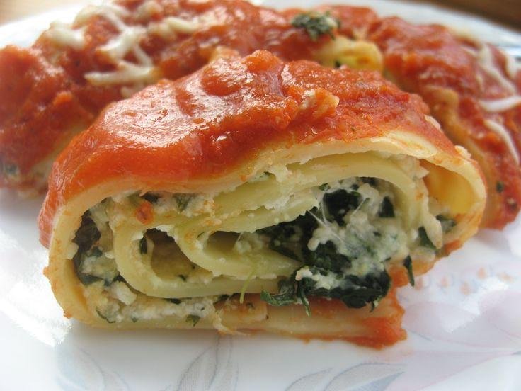 spinach lasagna roll-ups... tonight's dinner.