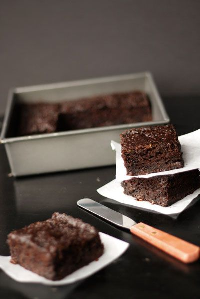 chocolate chip zucchini brownies ....nice idea using applesauce ...