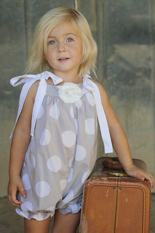 How to make a romper out of a pillow case! Adorable! ♥ Now I need a little girl to make this for!