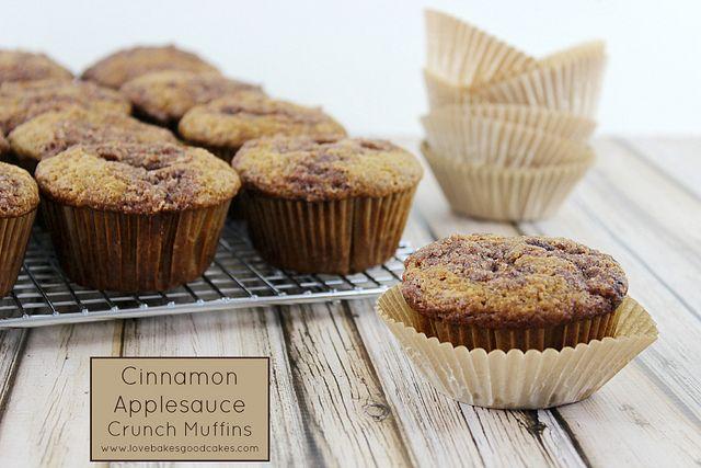 Cinnamon Applesauce Crunch Muffins #muffins #cinnamon #applesauce # ...