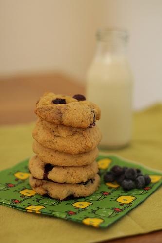 Seasalt & Blueberry & Lemon curd Cookies | Lunch for One Blog | Pinte...