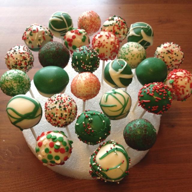 Christmas Cake Pop Ideas Pinterest : Christmas Cake Pops Yumm! Pinterest