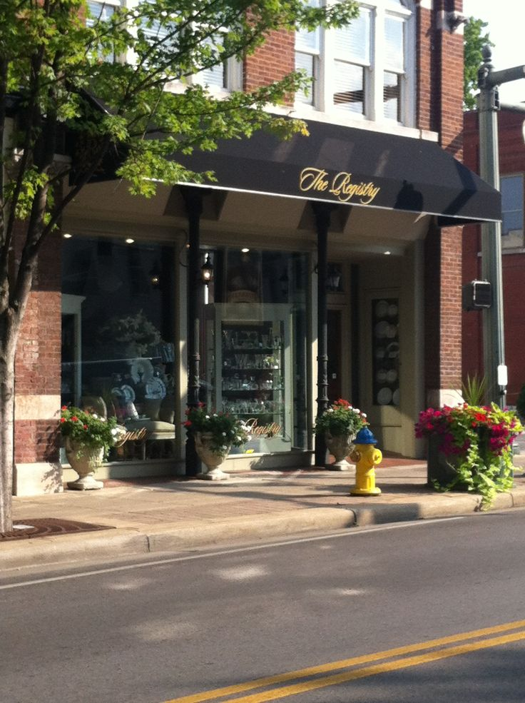 The Registry is located at 347 Main Street in Historic Downtown Franklin, Tennessee, just at the corner of 4th and Main