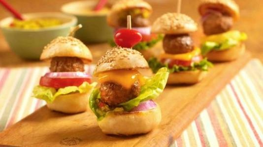 Mini Meatball Hamburgers - adorable and kid-friendly burger bites made ...