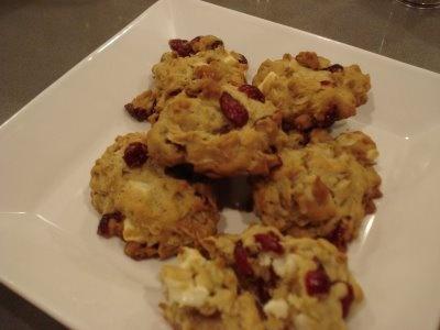 ... white chocolate cookies , chocolate chunk cookies and white chocolate