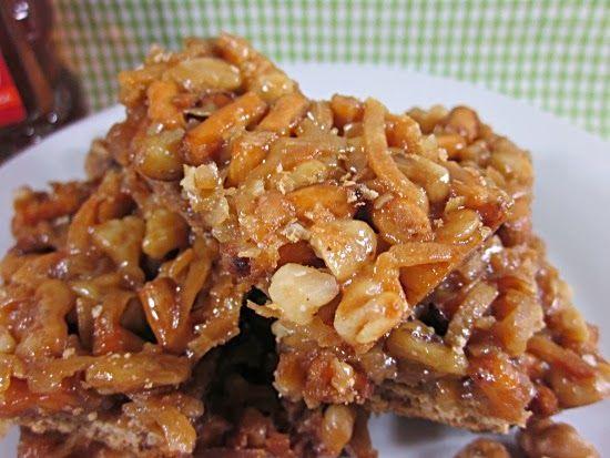 Honey Nut Pretzel Graham Bars | Honey Month | Pinterest