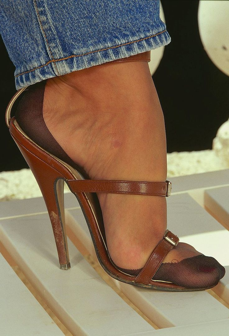 Jeans stockings and heels | Pantyhose feet | Pinterest