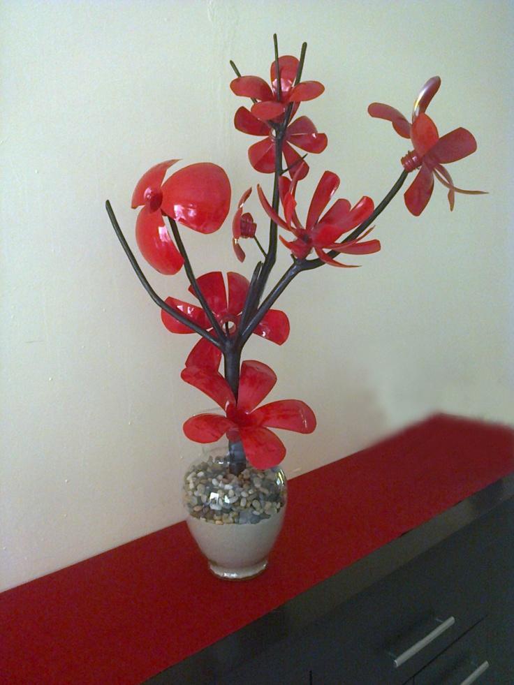 Flores de plastico manualidades versatiles pinterest for Plantas decorativas de plastico