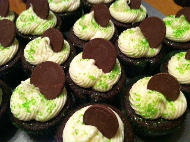 Cupcakes (Chocolate Stout Cupcakes with Bailey's Cream Cheese Icing ...