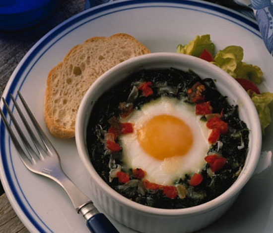 baked eggs with spinach and cream baked eggs with spinach and cream ...