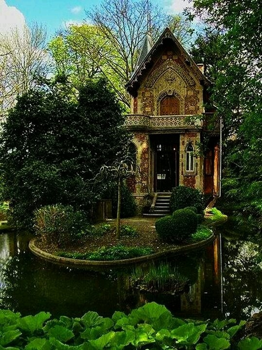 German cottage tiny homes and hobbit homes pinterest for Small houses in germany