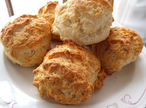 GF Tender & Flaky Buttermilk Biscuits == Gluten Free Savvy