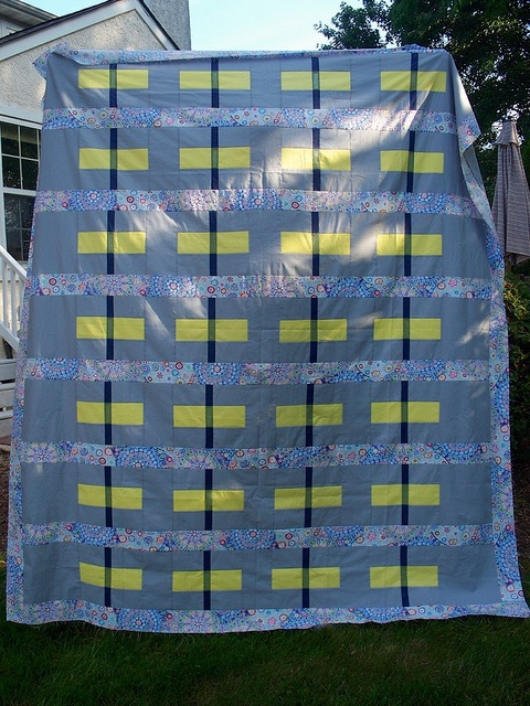 Transparency Quilt Top by LASO Quilts, via Flickr