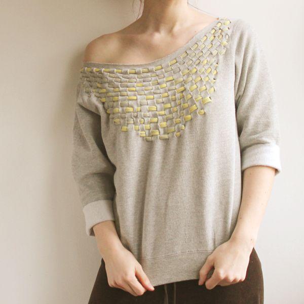 Jersey weave sweatshirt.