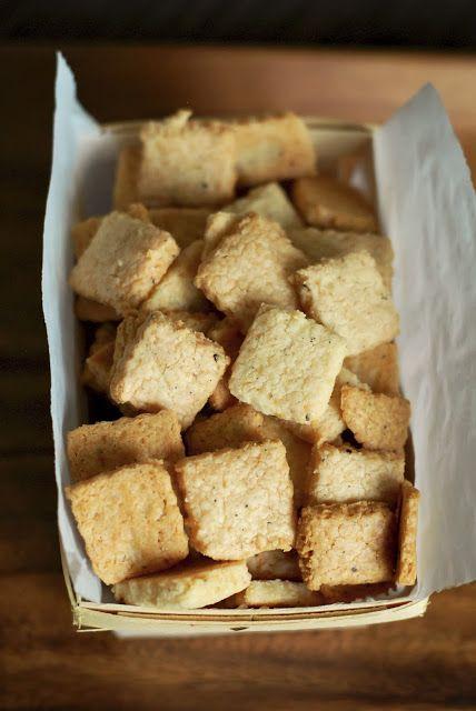 Grain-Free Parmesan-Peppercorn Crackers | Gluten free | Pinterest