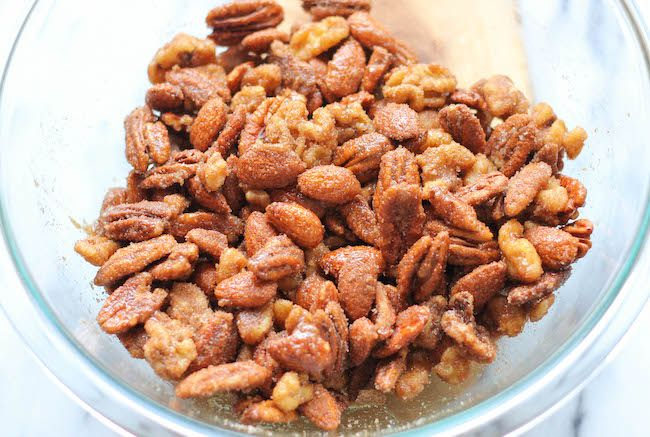 Cinnamon Sugar Candied Nuts ~ I used less Sriracha and pecans, cashews ...