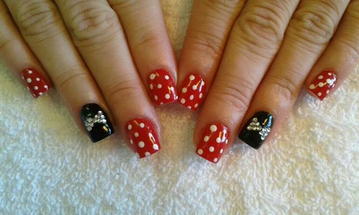 Minnie mouse acrylic nails nails by amanda disney for Acrylic nails at salon