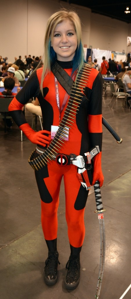 Cosplay Lady Deadpool ...