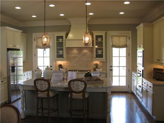 Dream kitchen country living kitchen clean elegant for Country living kitchen designs