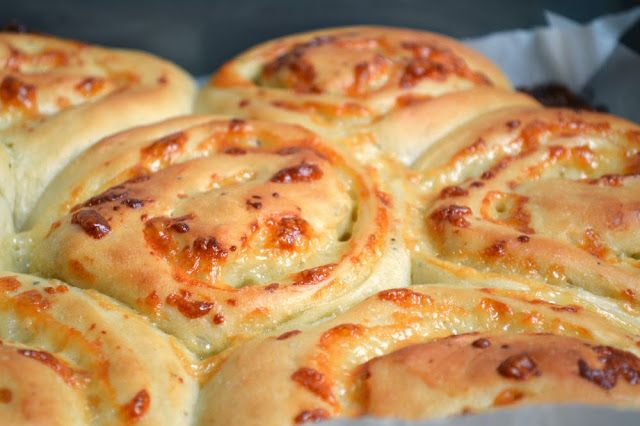 Because I Like Chocolate: Cheddar Cheese Buns