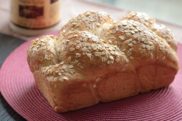 Maple Oat Bread (V). | Amazing Food Recipes | Pinterest