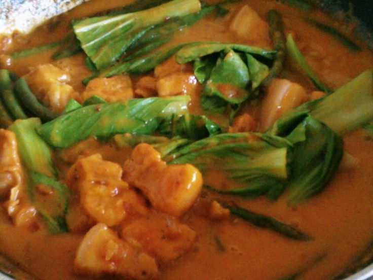 a filipino dish called kare kare Chicken kare kare, kare kare, filipino food mely's kitchen  but if you go to batangas they called it sinukmani,  a simple dish that will surely satisfy you.